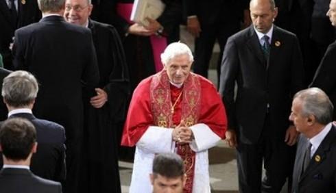 Benedetto XVI all'Islam: difendere vita e matrimonio