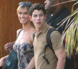 Nick Jonas e Delta Goodrem: weekend romantico in Messico