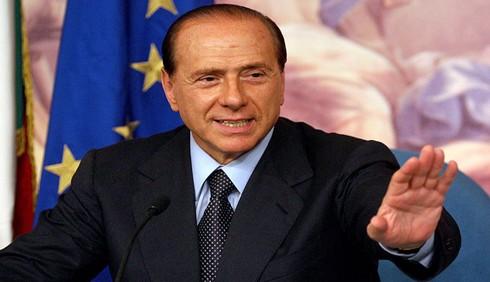 Silvio Berlusconi al Colle, non si dimette