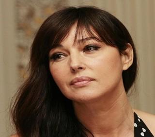 Monica Bellucci nuda delude in Un'été brûlant