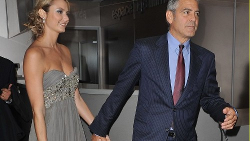 George Clooney e Stacey Kleiber intimi sul red carpet di Parigi