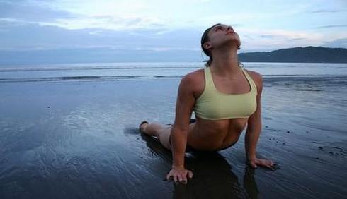 Sei stressata? Prova questi esercizi yoga