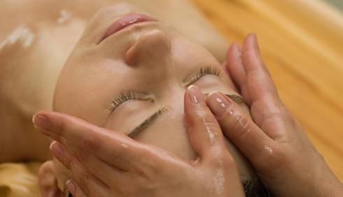 Il massaggio ayurvedico nelle Spa, perché farlo?