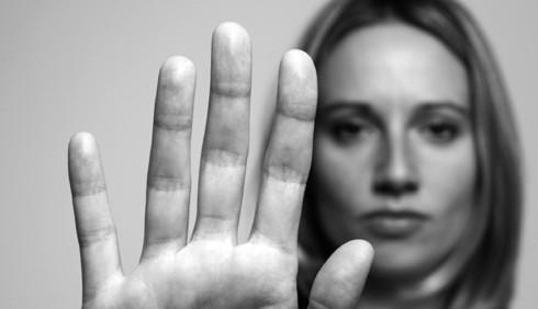 Violenza sulle donne: nel lavoro che volto ha?