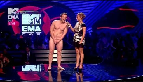 MTV EMA: uomo nudo per Hayden Panettiere