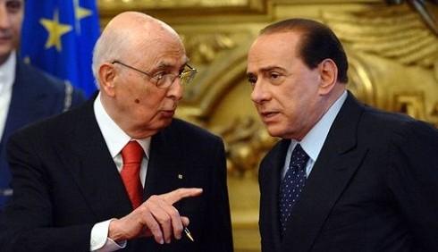 Silvio Berlusconi si dimette tra un mese