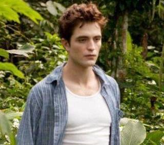 Robert Pattinson: True Blood e Vampire Diaries copiano Twilight
