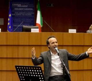 Roberto Benigni al Parlamento Europeo