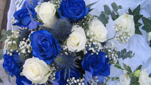 Bouquet Sposa Rose Blu.Matrimonio Arriva La Rosa Blu Nel Bouquet Diredonna