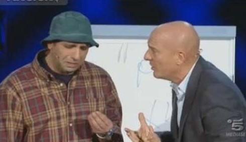 Checco Zalone imita Michele Misseri tra dubbi e risate