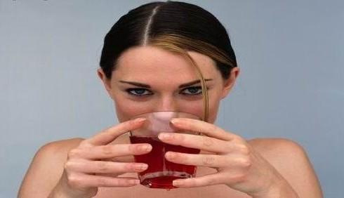 Succo di ciliegia contro insonnia e jet lag