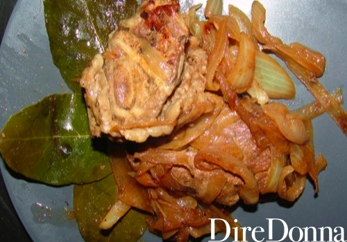 Piatto pronto dei fegatini di maiale