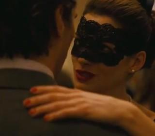 """""""Il cavaliere oscuro, il ritorno"""": trailer con Anne Hathaway"""