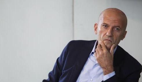 Augusto Minzolini si sente Michele Santoro