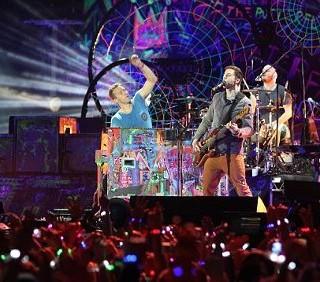 Chris Martin dei Coldplay elogia Lady Gaga