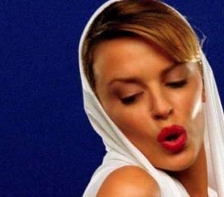 """Kylie Minogue: """"Can't get you out of my head"""" brano del decennio"""