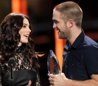 Robert Pattinson e Ashley Greene ai People's Choice Awards 2012