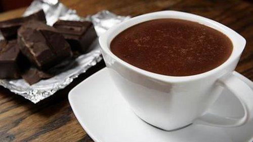Cioccolata calda con cacao amaro: la ricetta | DonnaD
