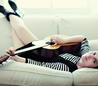 Erica Mou: nuova promessa musicale italiana?