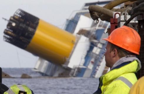 La Costa Concordia si sposta ancora