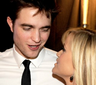 Reese Witherspoon elogia Robert Pattinson