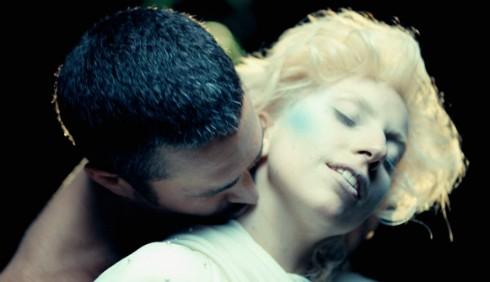 Taylor Kinney stanco delle stranezze di Lady Gaga