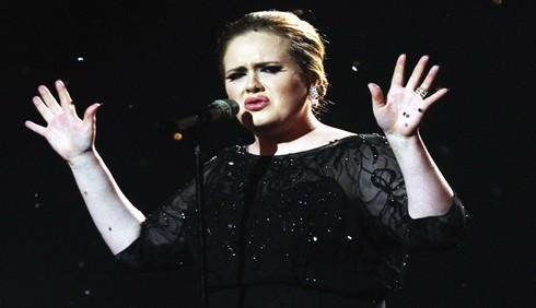 Adele canterà ai Grammy Awards