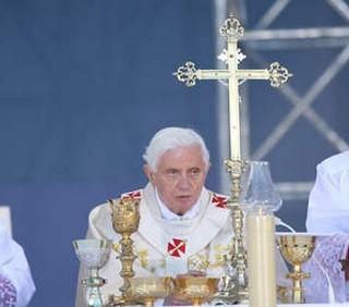 Papa Ratzinger verrà ucciso?