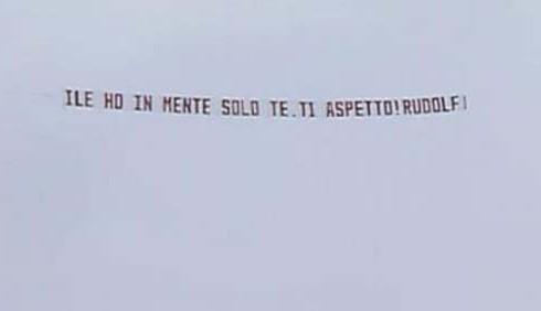 GF12: Rudolf Mernone ama Ilenia Pastorelli?