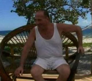 Isola dei Famosi 9: Mariano Apicella si scusa con Cristiano Malgioglio
