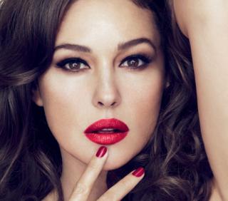 Dolce&Gabbana: Monica Bellucci testimonial per i nuovi rossetti