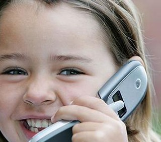 Il cellulare ai figli? Spesso già a 11 anni