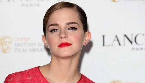 Lancôme: Emma Watson presenta Rouge In Love