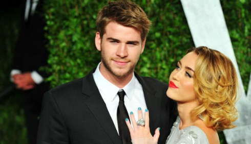 Miley Cyrus e Liam Hemsworth: sesso pubblico agli Oscar?