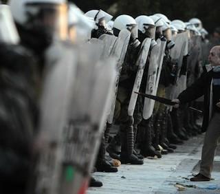 Crisi economica, guerriglia urbana in Grecia