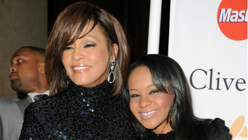 Bobbi Kristina, figlia di Whitney Houston, rischia il suicidio