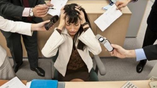 Foto Lavoro Ufficio : Troppo lavoro consigli per organizzarsi diredonna