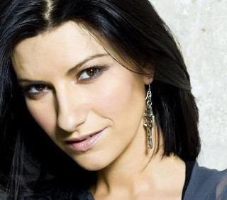 Laura Pausini, stop al tour per l'incidente mortale