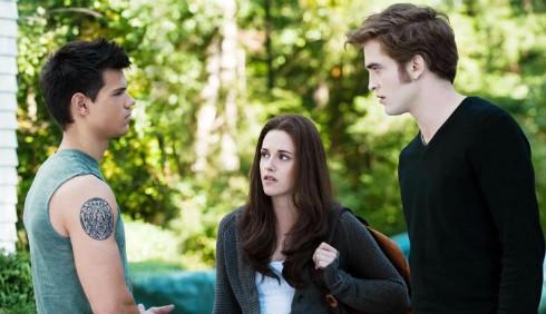 Robert Pattinson geloso degli addominali di Taylor Lautner?