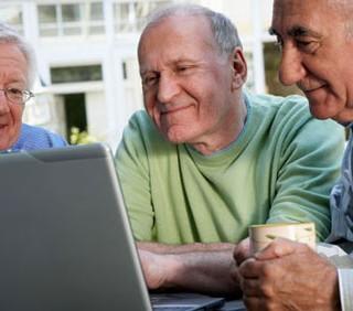 """Internet per gli over 60: il progetto """"Navigare insieme"""""""