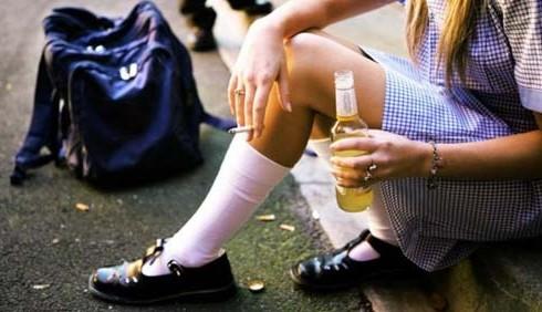 Cibo e alcol l'ossessione dei giovani: la drunkoressia