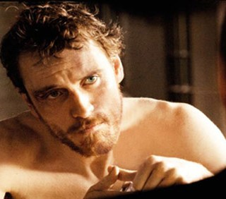 """Hunger"": Michael Fassbender sexy in locandina"