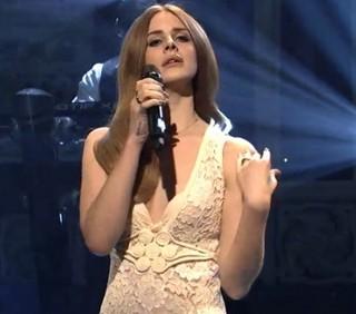 """Lana Del Rey domani a """"Le Invasioni Barbariche"""" di Daria Bignardi"""