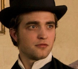"""Bel Ami"": scene inedite con Robert Pattinson e Uma Thurman"