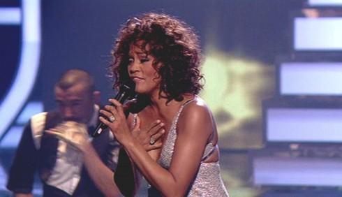 Whitney Houston: qualcuno ha nascosto la cocaina?