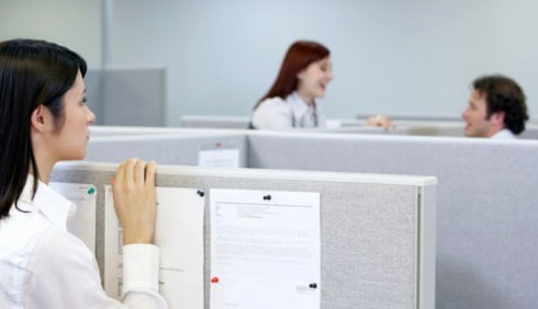 Invidia sul lavoro, un problema al femminile