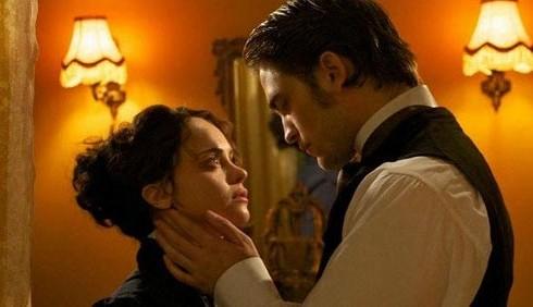 Bel Ami, Christina Ricci: corso di british per Robert Pattinson