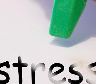 Mettersi a dieta dimagrante causa depressione e stress