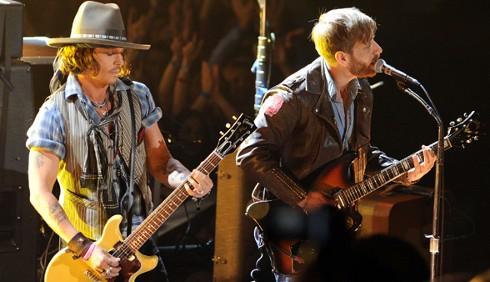 Johnny Depp suona con i Black Keys