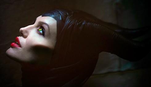 Maleficent: Angelina Jolie strega cattiva